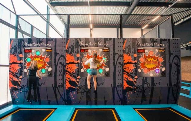 1 uur jumpen in trampolinepark bij SkagaVenture