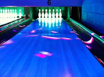 Bowlen + steengrillen bij Party & Bowling Centrum Schin op Geul