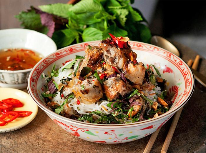 Een Vietnamese maaltijd van Coco Saigon, afhalen of bezorgen