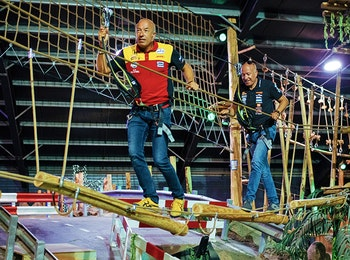 1,5 uur klimmen in het Coronel Adventure Indoor Klimbos