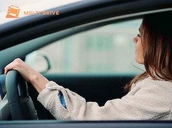 Ladies only: 10 rijlessen + praktijkexamen bij Multi Drive