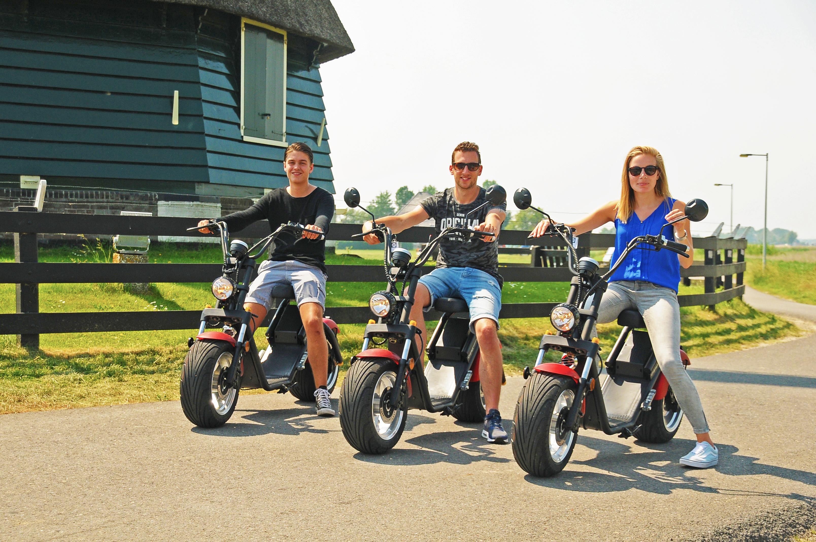 Verken Volendam op een e-scooter