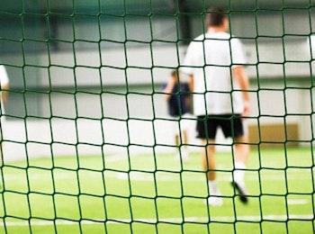 Speel met je vrienden een potje voetbal bij Breda Indoor Soccer