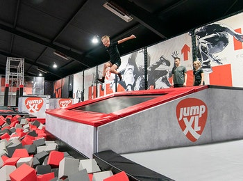Bezoek Jump XL Trampoline Parks