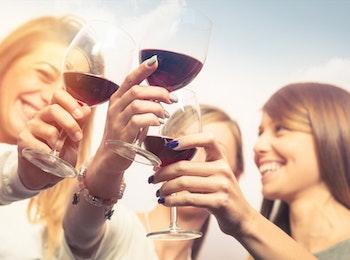 Geniet van een wijnproeverij aan huis!