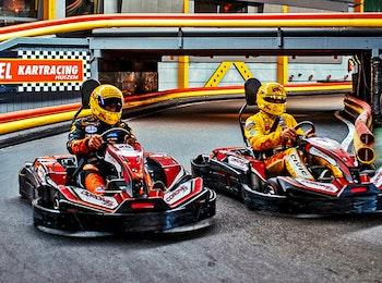 Ga karten op de indoor kartbaan van Coronel Kartracing!