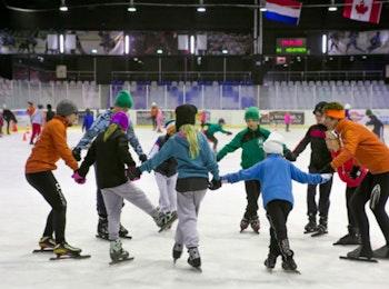 Kom een heerlijk dagje schaatsen bij De Uithof