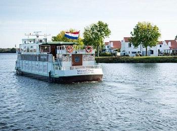 Rondvaart Maasplassen + pannenkoek bij Rederij Cascade
