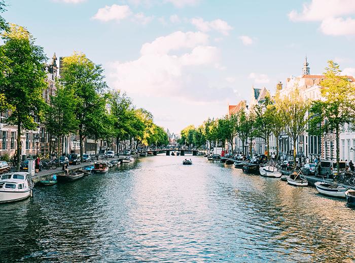 Ontdek Amsterdam vanaf het water tijdens een rondvaart