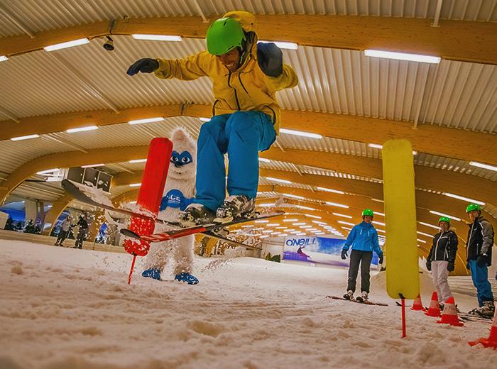 Ski�n of snowboarden bij Ice Mountain Adventure Park