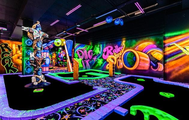 Entreeticket voor GlowGolf, locaties door heel Nederland!