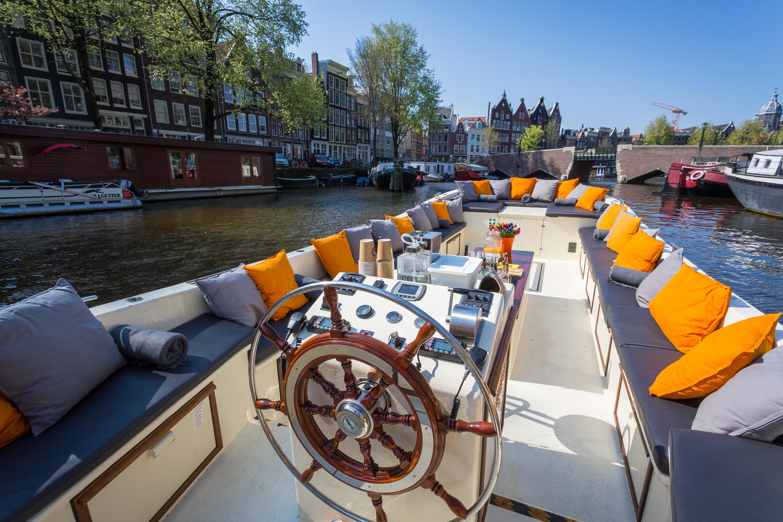 Korting Luxe rondvaart van 1 uur over de grachten van Amsterdam Brugge