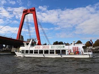 Ontdek de highlights van Rotterdam tijdens een rondvaart