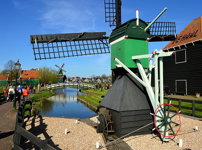 Korting Entreeticket rondvaart Amsterdam, inclusief bezoek Zaanse Schans Zaandam