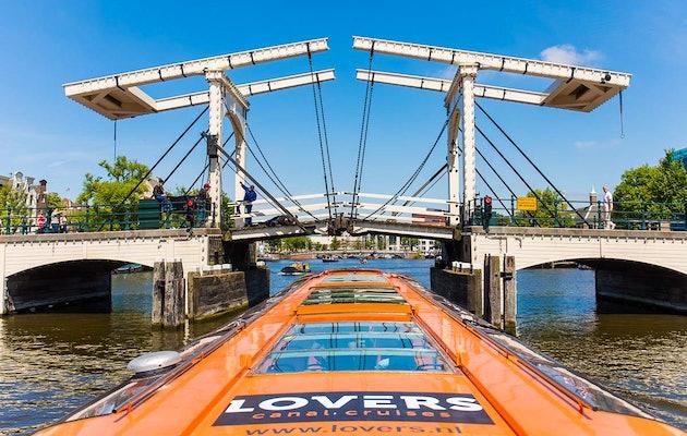 Rondvaart Amsterdam met Rederij Lovers