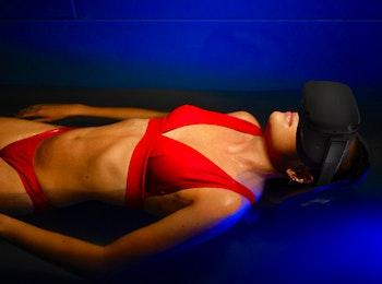 Ervaar het unieke Space Floaten met VR-bril bij FloatSpa!