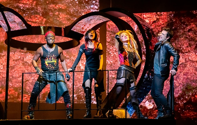 Beleef de spectaculaire rockmusical We Will Rock You, een ode aan Queen!