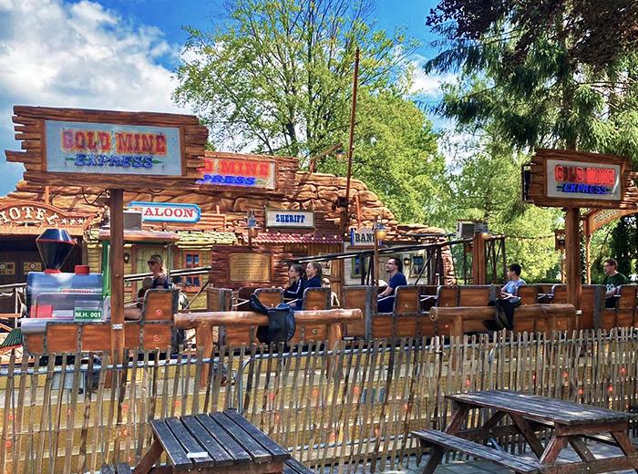 Toegang tot Attractiepark De Waarbeek inclusief All-you-can-eat