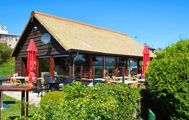 Midgetgolfen bij Adventure Park De Rollygolf in Noordwijk