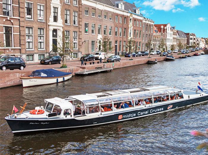 Ontdek de historische binnenstad van Haarlem vanaf het water
