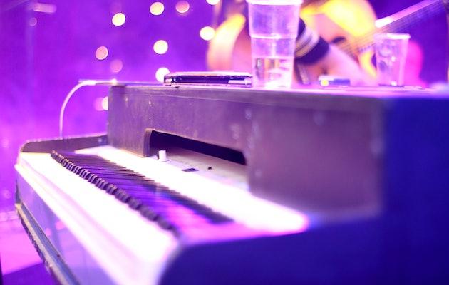 Een bonte stoet aan muziekstijlen in het gezellige Top 2000 Live Café