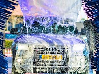 Wasbeurt bij Carwash De Wetering Utrecht