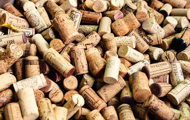 Geniet van een wijnproeverij en krijg 6 flessen witte of rode wijn!